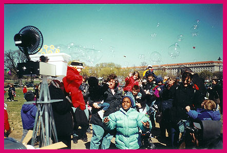 Bubbles and kites by the Smithsonian 2002